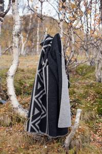 Bilde av Ullpledd sort/grå - Sámi Stories